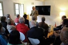 Literaturhaus Henndorf - Wichard von Schöning begrüsst die Tagungsteilnehmer